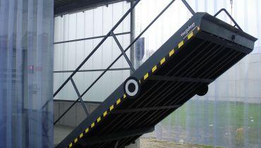 Hydraulische Überfahrbrücke - Bahnklappe